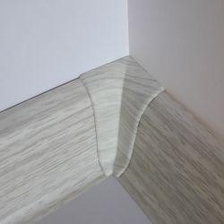 Set 4 buc. piese Lineco imbinare colt interior pentru plinta PVC culoare frasin alb