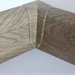 Set 4 buc. piese Lineco imbinare colt interior pentru plinta PVC culoare stejar Mocha