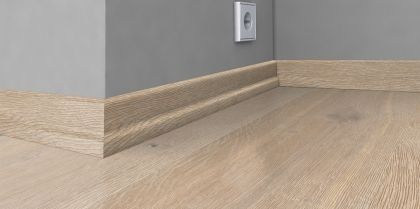 Plinta din lemn 22x60x2400 mm Karelia Oak Gustaf